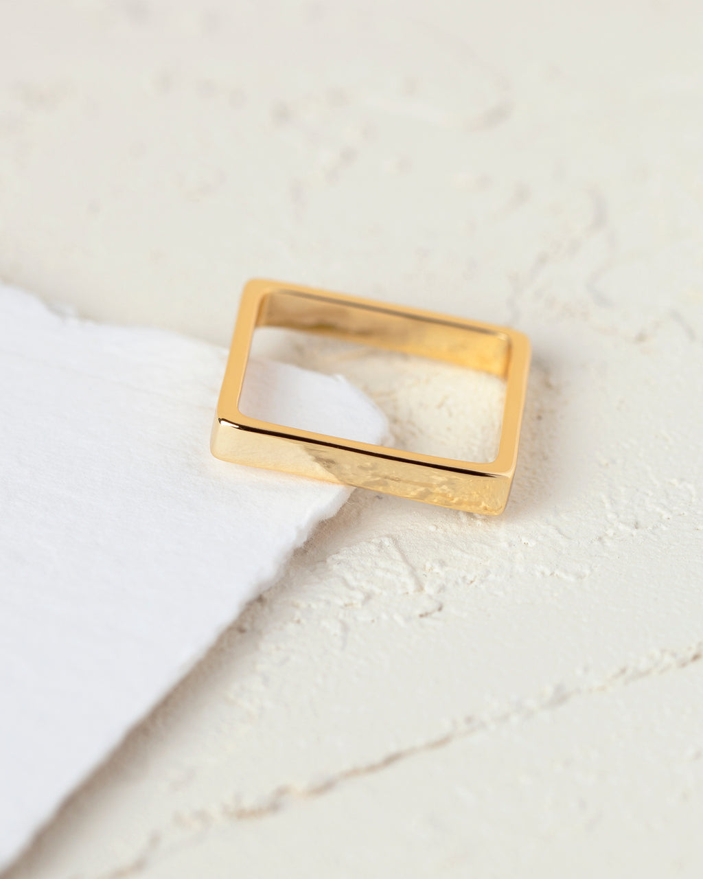 Adina Square Ring
