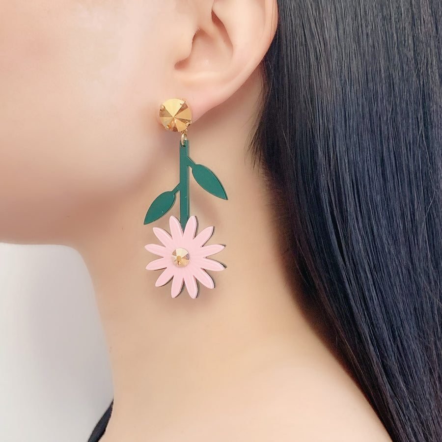 Daisy Earrings in Pink