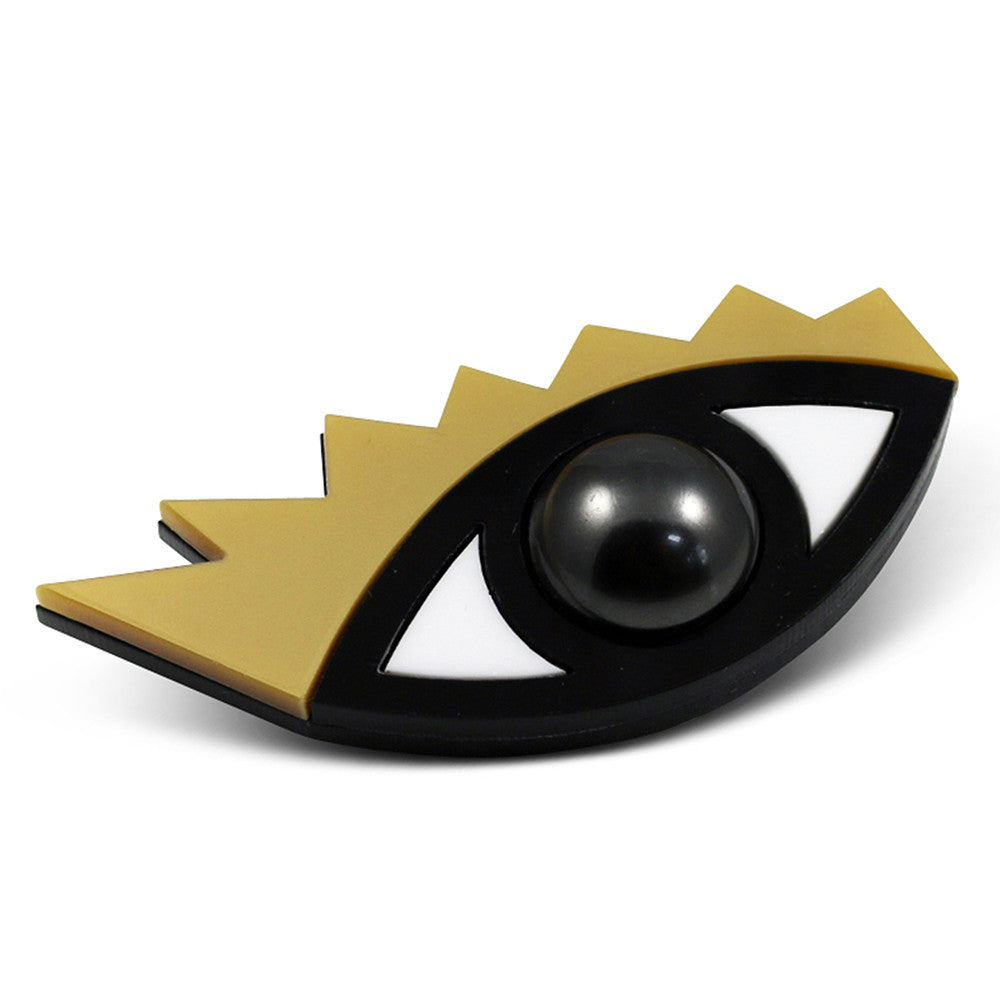 I Can't Take My Eyes Off You Brooch in gold