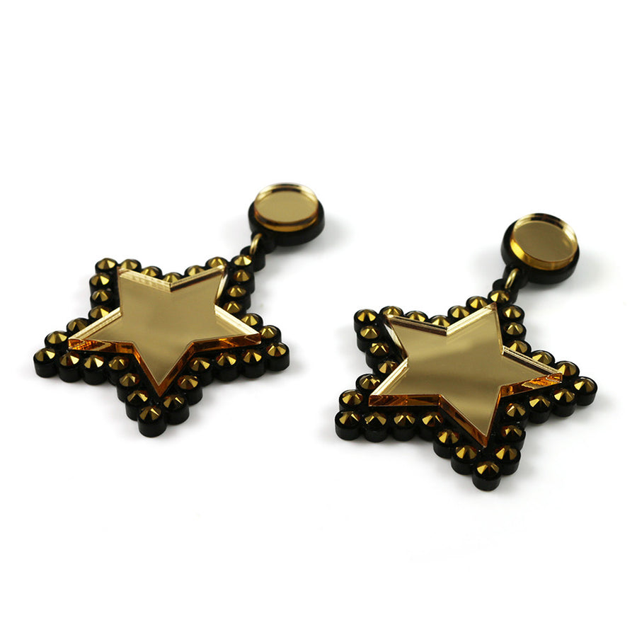 Lucky Star Earrings in gold