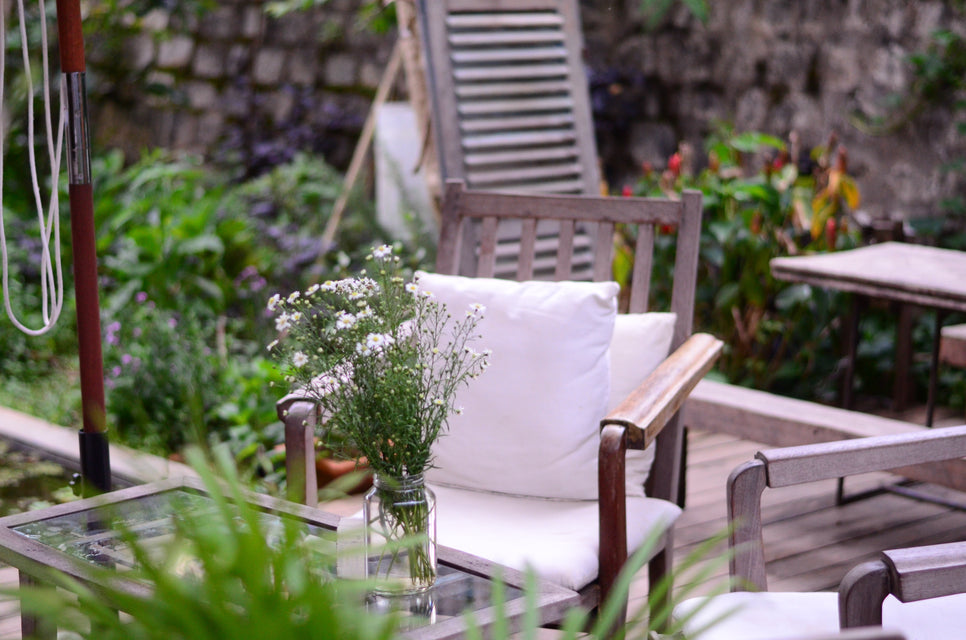 9 Eco-Friendly Outdoor Design Tips for Spring