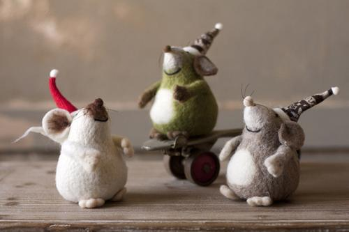 Set Of 3 Felt Mice With Christmas Hats