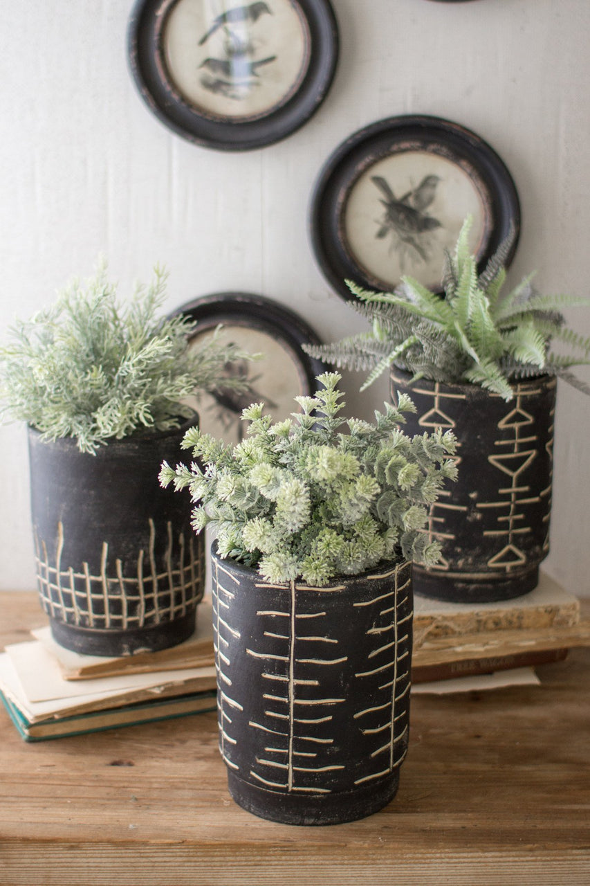 Set Of 3 Black & White Clay Planters