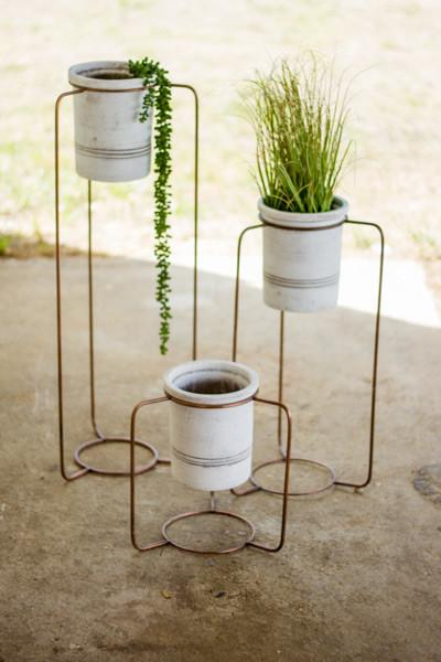 Set Of 3 White Wash Pots With Copper Finish Metal Stands