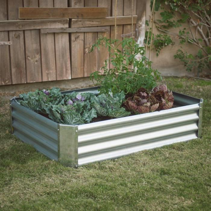 Industrial Farmhouse Steel Raised Garden Bed Metal Planter with Lining