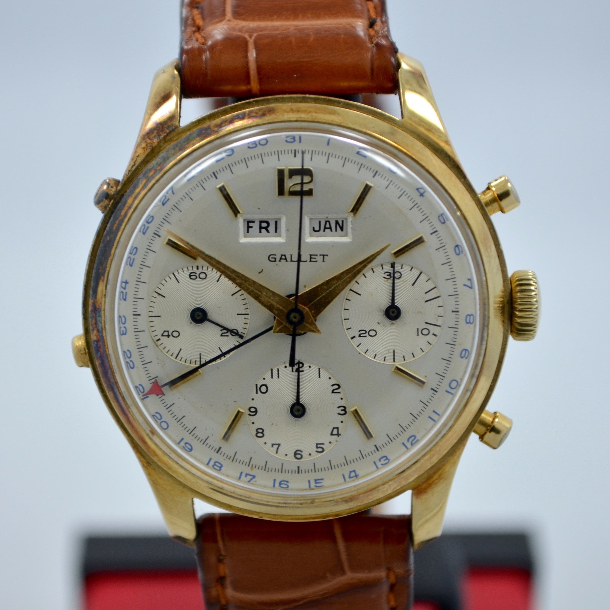 Vintage Gallet Solid 14K Yellow Gold Chronograph Triple Date Valjoux 72C Watch - Hashtag Watch Company