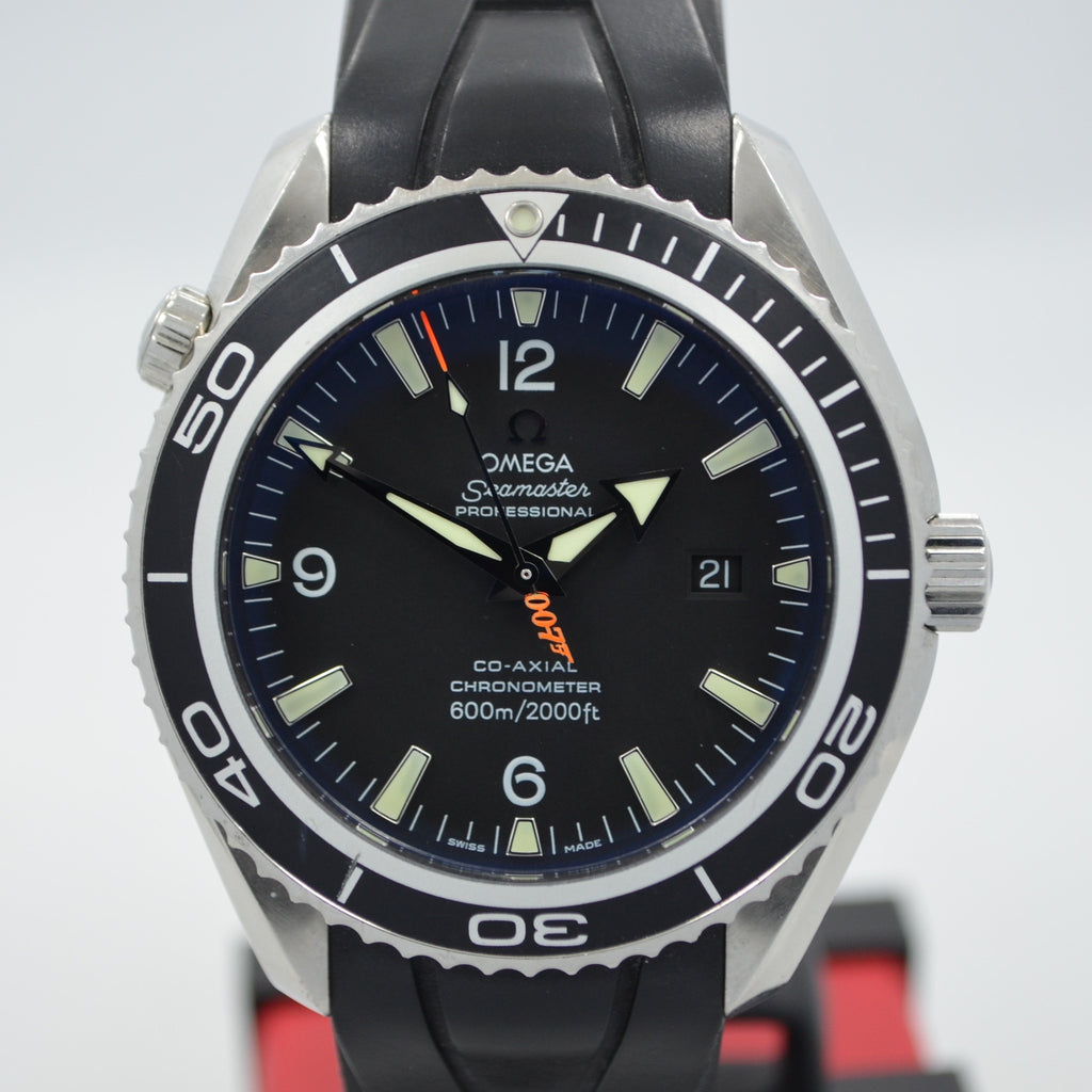 Omega Seamaster James Bond 007 Casino Royale 2907.50.91 Steel Wristwatch - Hashtag Watch Company