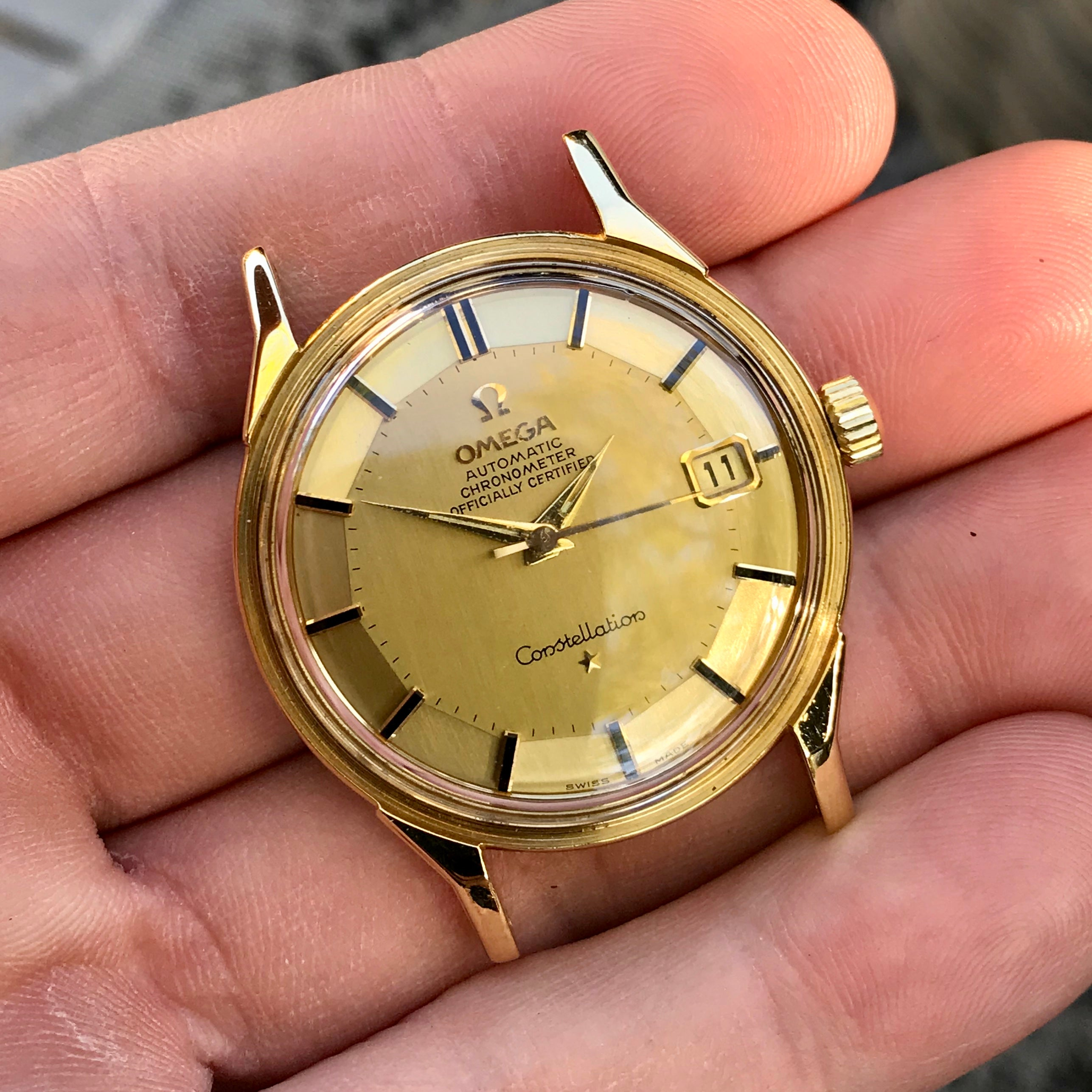 Vintage Omega Constellation Date 168.005 18K Yellow Gold Caliber 561 Automatic Wristwatch