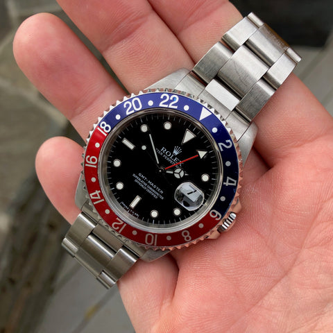 "Rolex GMT Master 16700 Stainless Steel Pepsi ""U"" Serial Caliber 3175 Wristwatch Box Papers Circa 1997"
