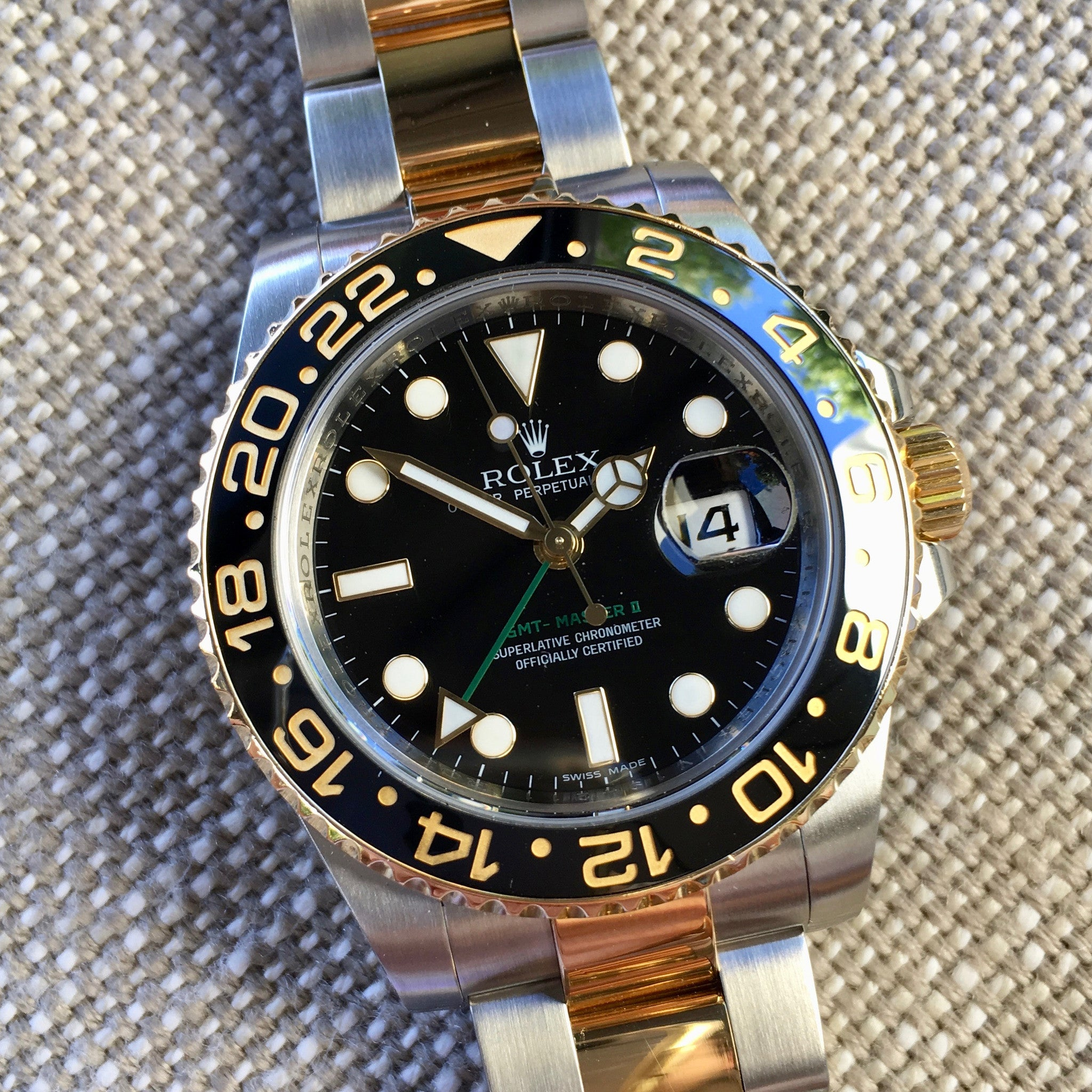 "Rolex GMT Master II 116713 Two Tone Steel Gold ""V"" Serial Watch Box Papers"