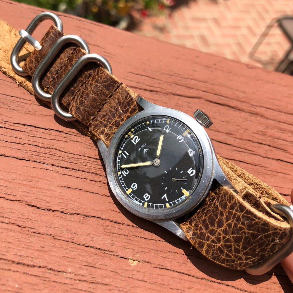 Vintage Record 10034 MoD WWW Military Dirty Dozen WWII Black Wristwatch