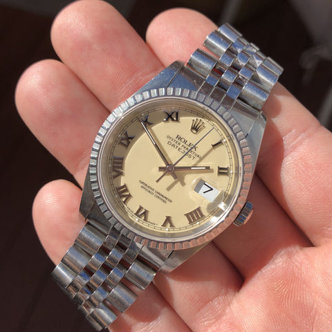 Vintage Rolex Datejust 1601 18K Yellow Gold Champagne Linen Bark Automatic Wristwatch