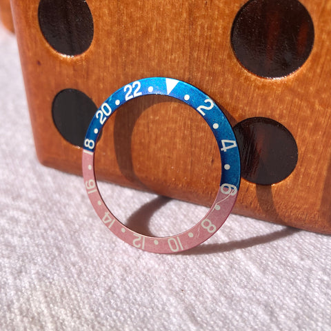 Vintage Rolex GMT MASTER 1675 Red Back Pepsi Fat Font Insert Pink Original