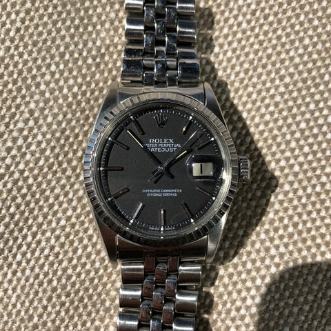 Vintage Rolex Datejust 1603 Black Stick Engine Turned Big Logo Wristwatch Circa 1966