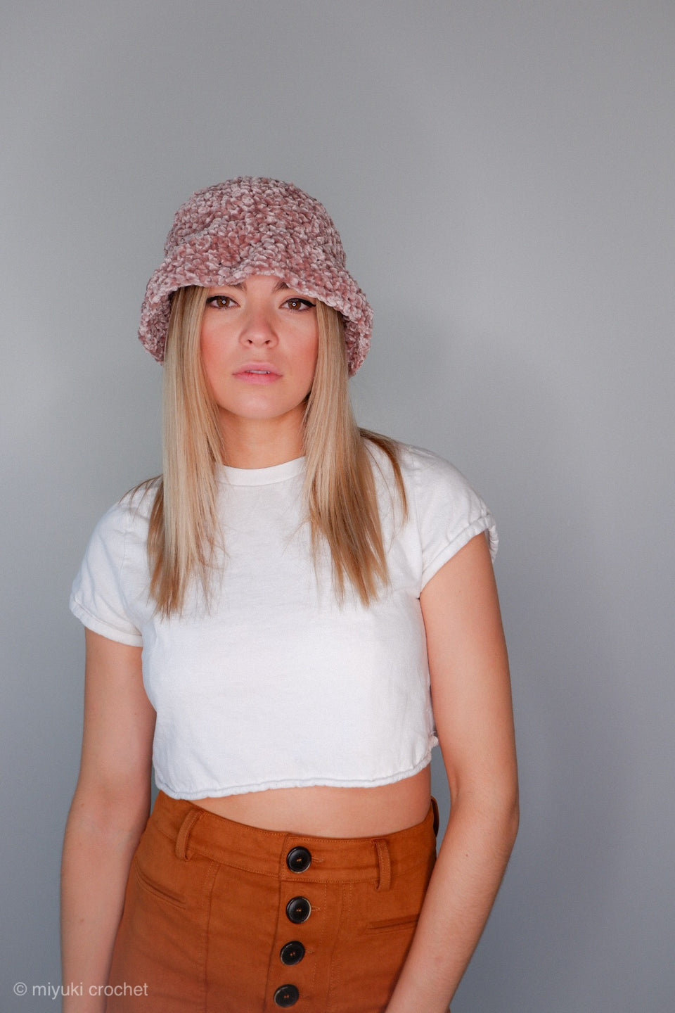Velvet Bucket Hat in Crushed Rose