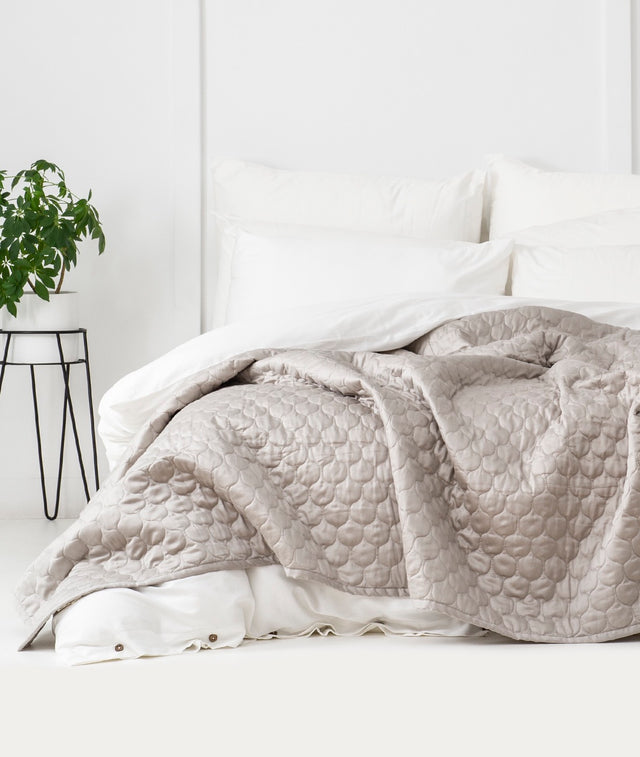 Bhumi Organic Cotton Quilted Blanket - Ogee Design - Pewter