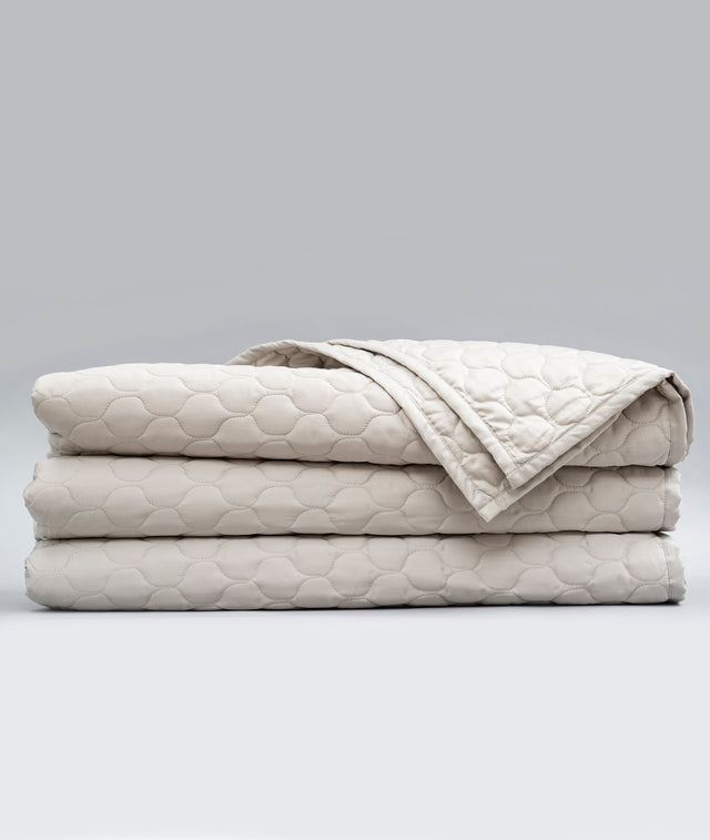 Bhumi Organic Cotton - Quilted Blanket - Ogee Design - Pewter
