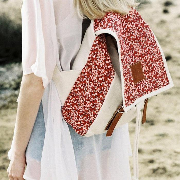 Mö Daisy Red Globby Print Backpack
