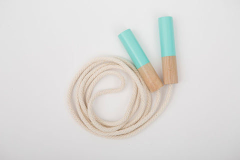 des enfantillages | mint wooden handle jump rope | www.theminilife.com