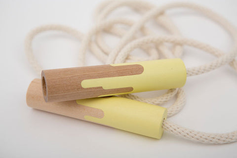 des enfantillages | pop's banana wooden handle jump rope | www.theminilife.com