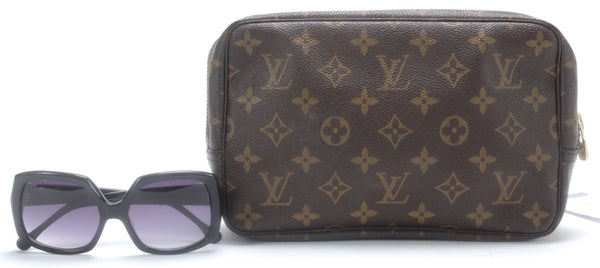 LOUIS VUITTON Authentic Brown Monogram Canvas Small Cosmetic Pouch 22