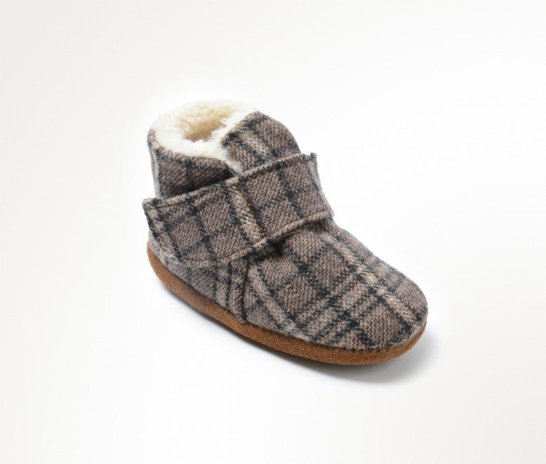 Minnetonka Moccasin Sawyer Infant Bootie Brown Plaid Sizes 0-4)