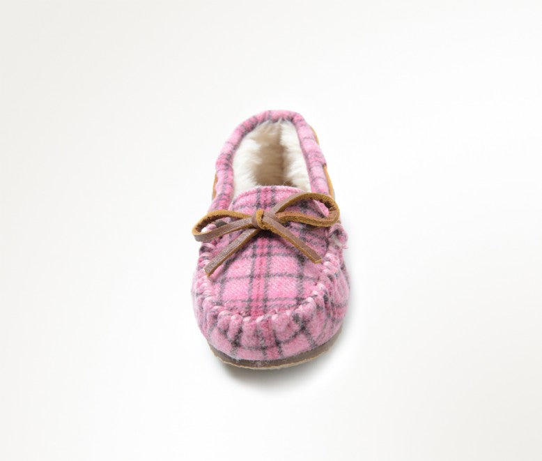 Minnetonka Moc Kids Cassie Slipper in Pink Plaid