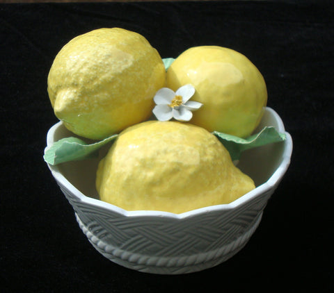 EXCEPTIONAL ANTIQUE VINTAGE ITALIAN CERAMIC LEMONS FLORAL BASKET SCULPTURE MADE IN ITALY