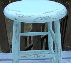 [SOLD] COUNTRY FARMHOUSE HAND-PAINTED DISTRESSED WOOD STOOL