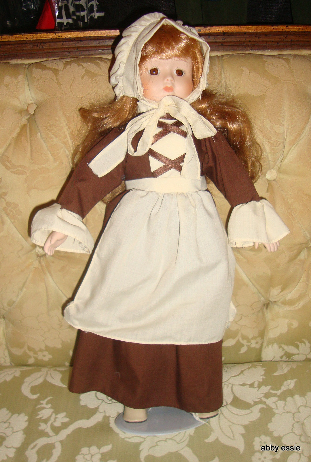 VINTAGE PORCELAIN VICTORIAN ENGLISH 19TH 18TH CENTURY DOLL ON STAND WIT