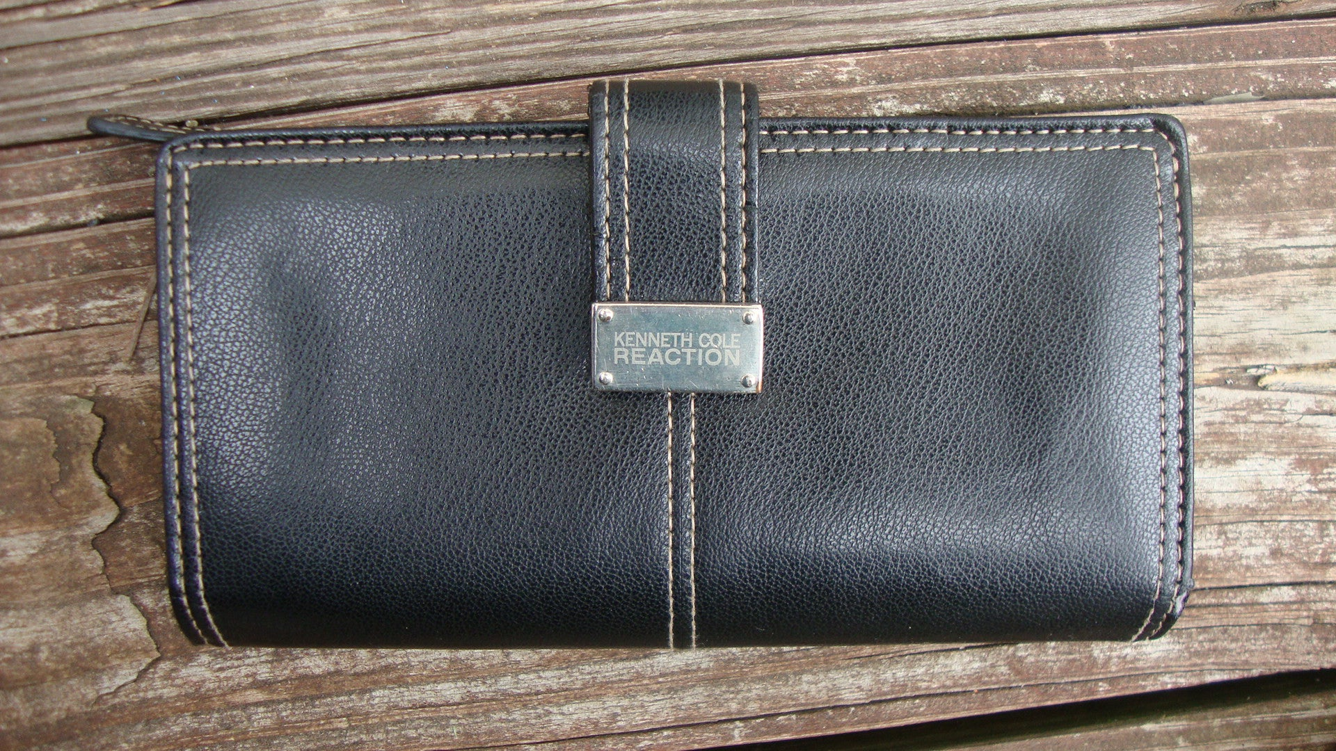 KENNETH COLE BLACK LEATHER WALLET
