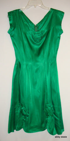 VINTAGE GREEN SATIN SILK 1950s PARTY DRESS ROSETTES, FULL SKIRT SMALL