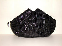 VTG BLACK AUTHENTIC SNAKESKIN LEATHER BAG W/ TWIN PEAK DESIGN