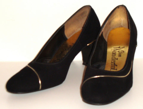 Vintage Miss Wonderful 60s Black Velvet Pumps W/ Gold Accent Sz 6.5 Shoes