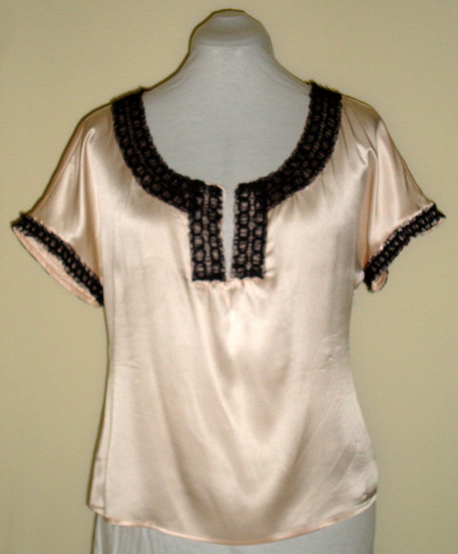 PARAMETER CREAM SILK TOP W/ BLACK CHIFFON TRIM  MEDIUM 100% SILK