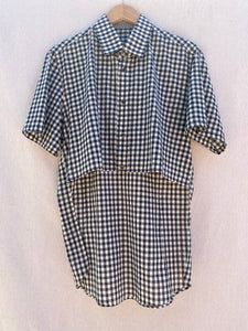 FRONT VIEW OF HI-LO CHECK PLAID BUTTON DOWN SHIRT. THIS ITEM HAS SHORT SLEEVES. FRONT HEM IS SHORTER THAN BACK HEM.