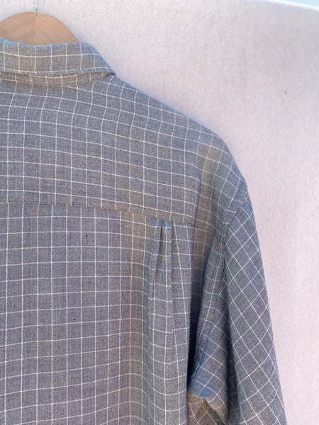 CLOSE UP VIEW OF WINDOWPANE SHIRT, TOP RIGHT CORNER, BACK NECK, BACK ARMHOLE.