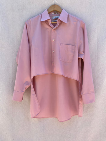 FRONT VIEW OF LONG SLEEVE HI-LO BUTTON DOWN IN MAUVE.