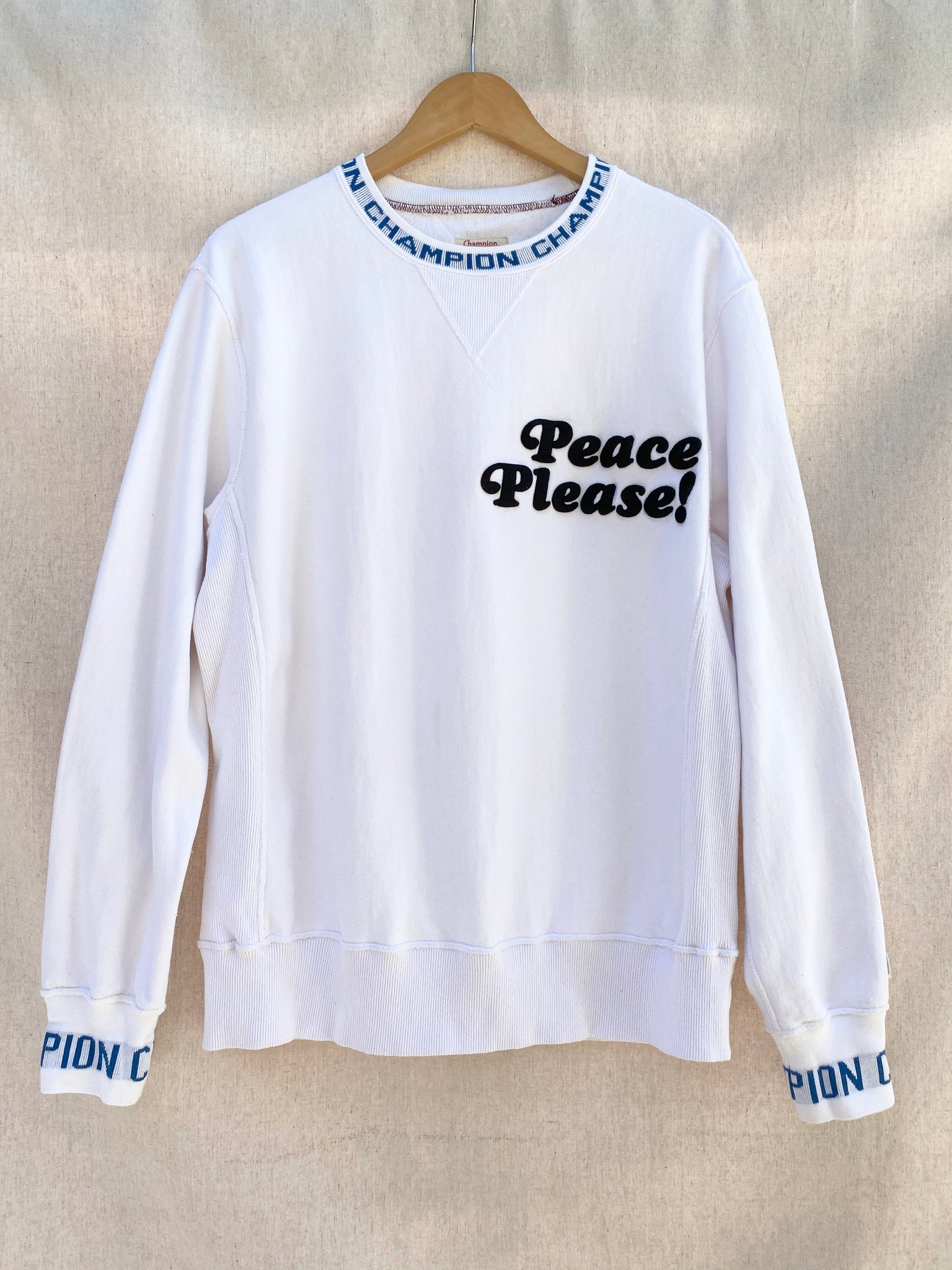 PEACE PLEASE! WHITE CHAMPION CREW NECK