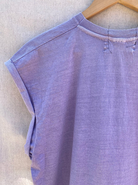 CLOSE UP IMAGE  OF UPPER LEFT SLEEVES AND BACK NECK.