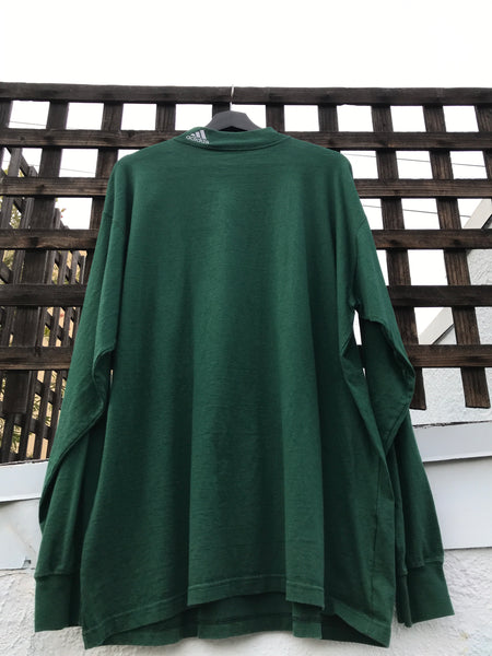 FULL FRONT VIEW OF LONG SLEEVES TEE IN DARK GREEN.