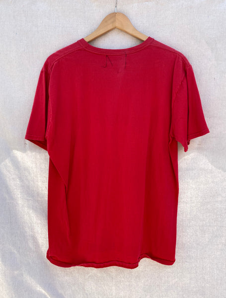 BACK VIEW OF RED T-SHIRT.