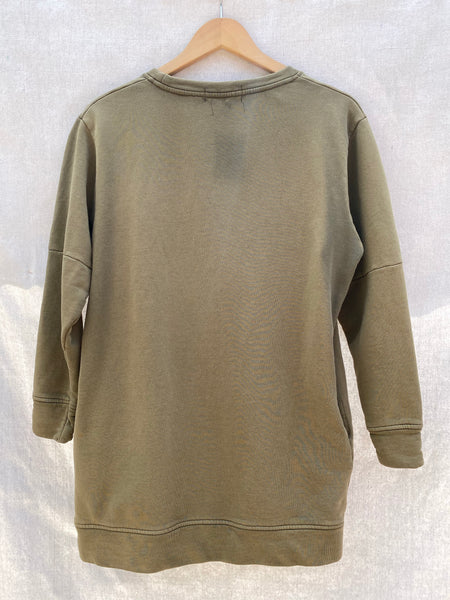 FULL VIEW OF BACK SWEATSHIRT IN FADED ARMY GREEN.