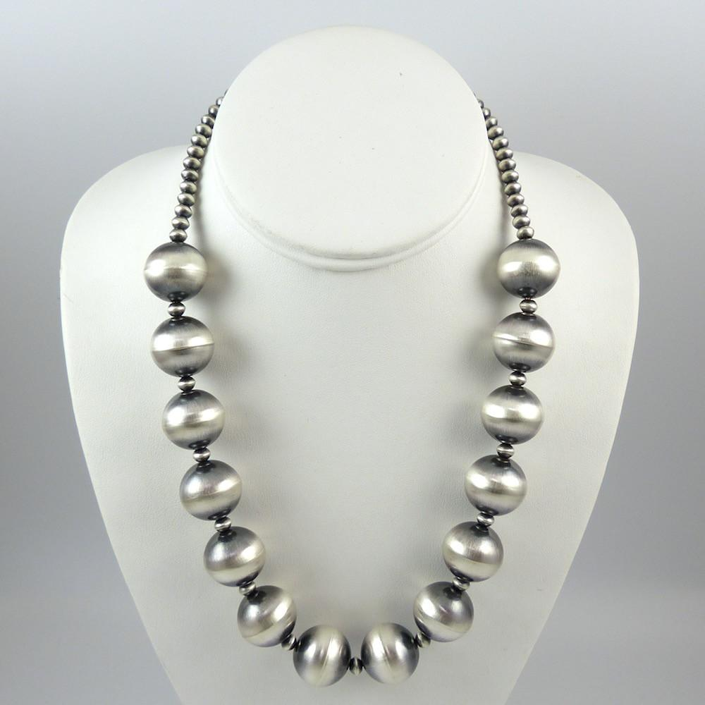 Navajo Pearl Necklace - Jewelry - Veltenia Haley
