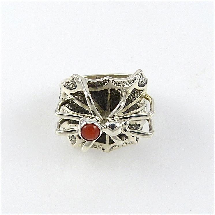 Spider Ring with Coral - Jewelry - Fidel Bahe - 1