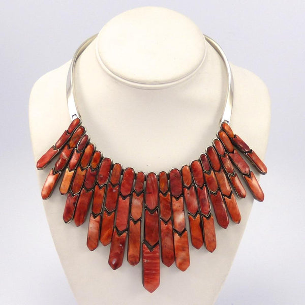 Spiny Oyster Arrow Collar Necklace