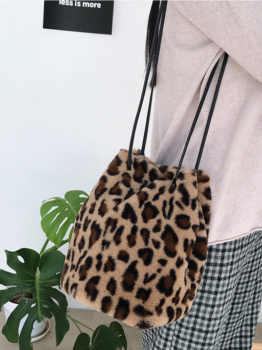 Chellysun Leopard Faux Fur Shoulder Bag