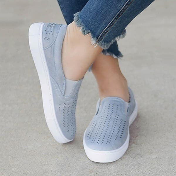 Chellysun Hollowed Out Slip On Canvas Flats