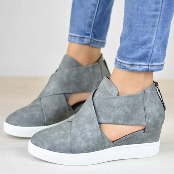 Chellysun Criss-cross Cut-out Wedge Sneakers