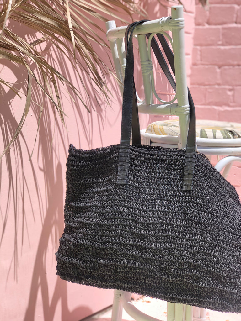NECKER BAG, BLACK
